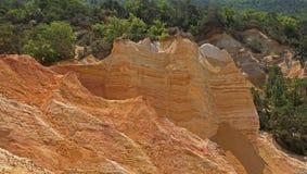 Der alte Steinsteinbruch in Südfrankreich Stockbild
