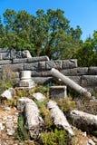 der alte Tempel und das Theater in den Truthahnruinen Stockfoto
