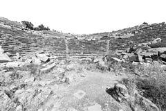 der alte Tempel und das Theater in termessos Antalya-Truthahnasien-Himmel Stockbilder