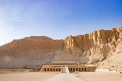 Der alte Tempel von Hatshepsut in Luxor, Ägypten Lizenzfreie Stockfotografie