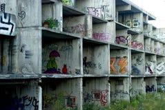 Der alte unfertige Hochbau Stockbilder