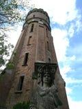 Der alte Wasserturm im Park Stockbilder