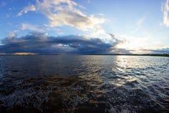 Der Anfang des Sturms auf dem Meer Stockbild