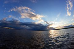 Der Anfang des Sturms auf dem Meer Lizenzfreie Stockfotografie