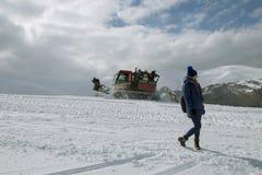 Der Anfang der Skijahreszeit in den Karpaten lizenzfreie stockfotografie