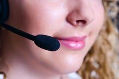 Der Angestellte des Call-Centers