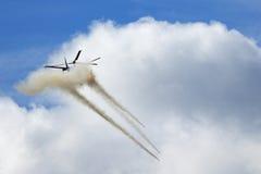 Der angreifende Hubschrauber Stockbilder