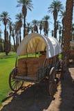 Der antike Lastwagen der ersten Siedleren Stockfotografie