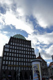 Der Anzeiger-Turm-Block Stockfotografie