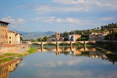 Der der Arno-Fluss, Florenz, Italien stockfotos