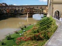 Der Arno u. Ponte Vecchio Stockbild