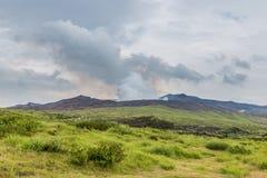 Der Aso-Kessel, der aktive Vulkan, in der Mitte von Kumamoto, Ja Stockbild