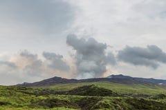 Der Aso-Kessel, der aktive Vulkan, in der Mitte von Kumamoto, Ja Lizenzfreies Stockfoto
