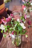 Der Aufbau der Blumen postkarte  stockfotografie