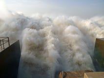 Der Ausgang des Wasserkraftwerks Merowe Stockfotos