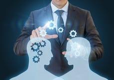 Der Austausch des Wissens zwischen Arbeitskräften Lizenzfreies Stockfoto