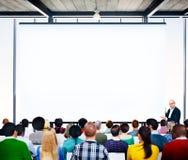 Der Büro-Arbeitsgeschäftsleute diskussions-Team Concept Lizenzfreie Stockfotografie