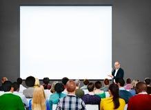 Der Büro-Arbeitsgeschäftsleute diskussions-Team Concept Lizenzfreie Stockbilder