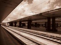 An der Bahnstation Stockbilder