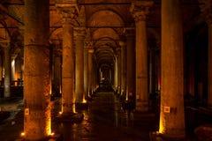 Der Basilika-Zisternen-versunkene Palast in Istanbul, die Türkei Stockbilder