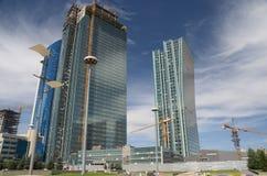 Der Bau von modernen Gebäuden in Astana Lizenzfreie Stockbilder