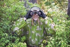 Der Beobachter im Holz Lizenzfreie Stockfotografie