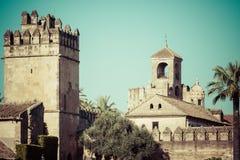Der berühmte Alcazar mit schönem Garten in Cordoba, Spanien Stockbilder