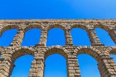 Der berühmte alte Aquädukt in Segovia Stockbilder