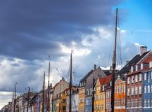 Der berühmte Damm in Kopenhagen, ein Symbol des dänischen capi lizenzfreie stockfotos