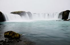 Der berühmte Godafoss-Wasserfall in Island lizenzfreies stockfoto
