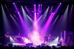 Der berühmte ukrainische Sänger Jamala gab ein Konzert, das vorstellt ihr neues Album Podykh (Atem) Lizenzfreie Stockfotos