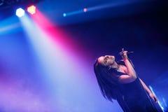 Der berühmte ukrainische Sänger Jamala gab ein Konzert, das vorstellt ihr neues Album Podykh (Atem) Lizenzfreies Stockbild