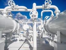 Der Bereich der Ausrüstung, zum des Erdölerzeugnisses abzukühlen Ausrüstung für Primärölraffinieren Stockfotografie