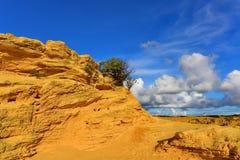 Der Berggipfel-Nachtisch berühmt für seine Kalksteinfelsformationen Stockfoto