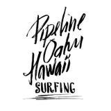 Der Beschriftungsbürstentintenskizze Rohrleitungs-Oahus Hawaii surfender handdrawn Siebdruckdruck Stockfoto