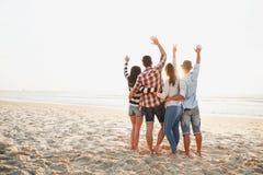 Der beste Sommer ist mit Freunden stockbild