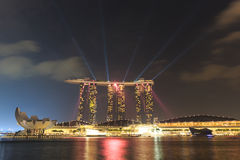 Der 6 3 biliion Dollar (US) Marina Bay Sands Hotel beherrscht Stockfotos