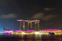 Der 6 3 biliion Dollar (US) Marina Bay Sands Hotel beherrscht Stockbilder