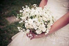 Der Blumenstrauß einer Braut Lizenzfreie Stockfotos