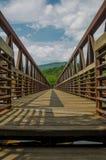 An der Brücke über James River Stockfotos