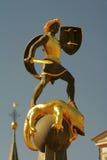 Der Brunnen des Heiligen George den Drachen tötend Stockfotos