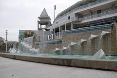Der Brunnen am neuen Eingang zu Hammond Stadium stockbilder