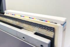 Der Buchbindungs-CMYK Untrimmed Buch-Block Ind führen Streifen-Steuerung Stockfotografie