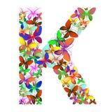Der Buchstabe K bildete von den vielen Schmetterlingen von verschiedenen Farben vektor abbildung