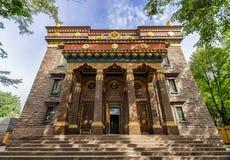Der buddhistische Tempel Datsan Gunzechoinei Der Eingang Stockfoto