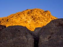 Der bunte Nationalpark Death Valley bei Sonnenuntergang Stockfotografie