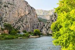 Der Cetina-Fluss lizenzfreie stockbilder