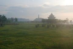 Der chinesische Garten in der Dämmerung Stockbild
