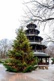 Der chinesische Turm in München, Deutschland stockbild