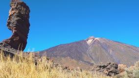 Der Cinchado-Felsen der Teide-Vulkan in Teneriffa stock video footage